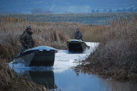 widowmaker-two-mud-boats